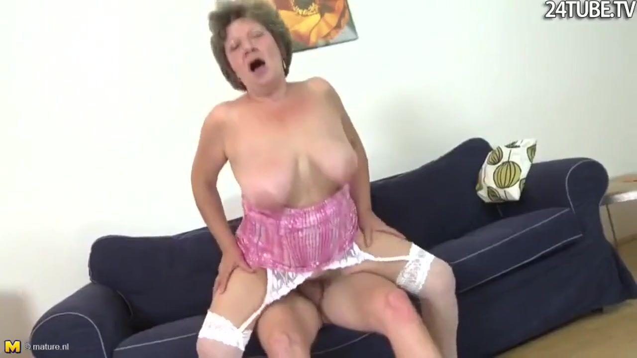Старушка и маладой секс бесплатна