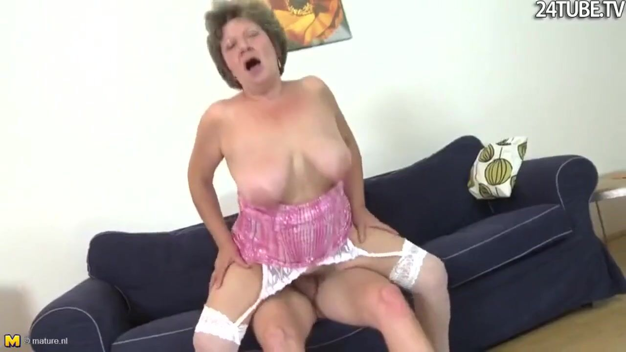 Старушка и большой член секс