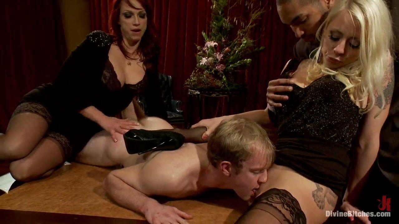 Две госпожи и мужик порно видео