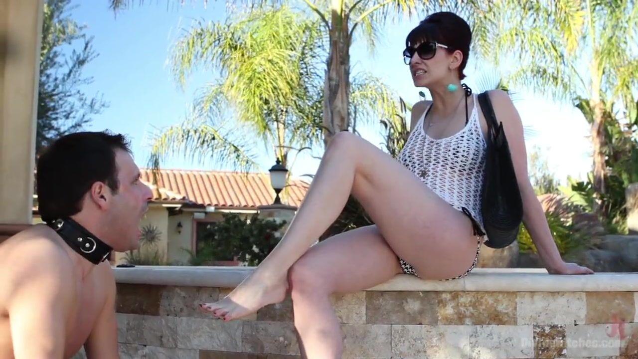 Модель девушка лижет попку госпоже джады стивенс порно