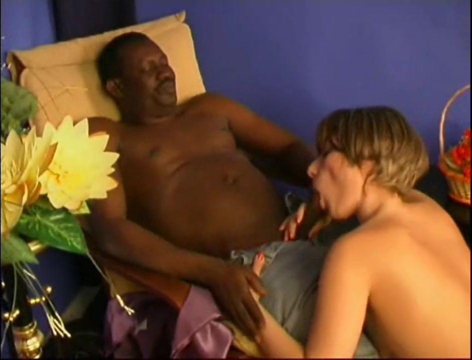 Оргия проститутка ебут в гандоне фото