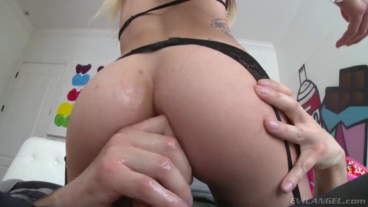 Глубокий оральный секс с блевотиной
