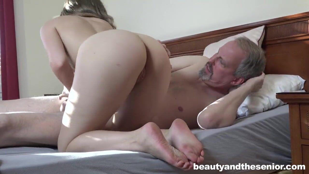 Девушка со зрелым мужыком порно