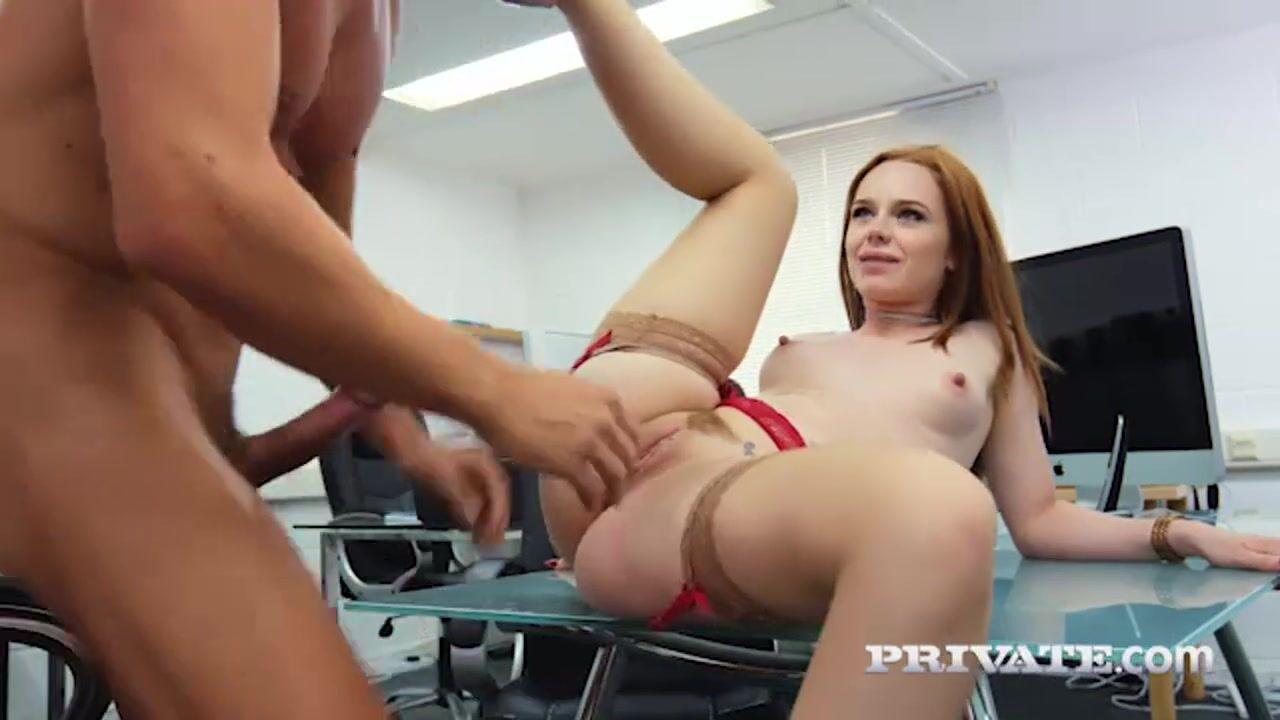 Порно с рыжей шлюшкой
