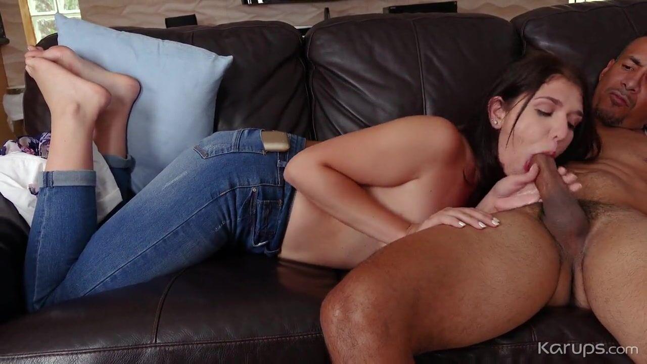 Видео секс с накаченным парнем