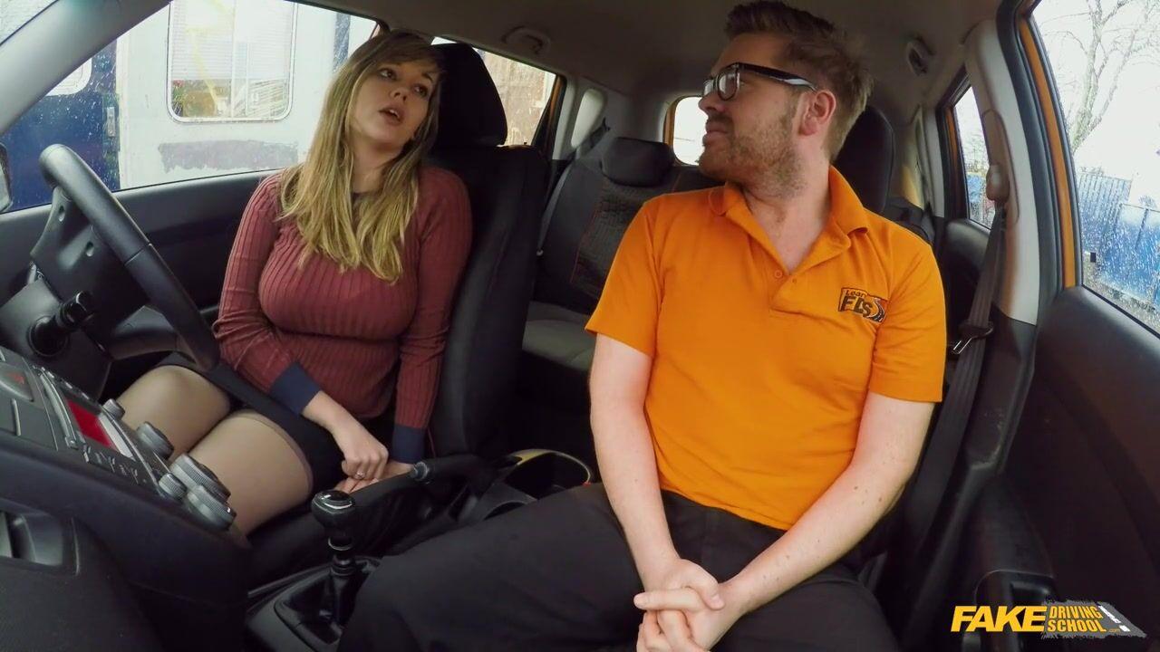Порно фотто в машине