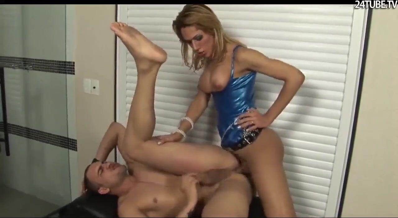 porno-nevesta-trans-viebal-muzhika-v-popu