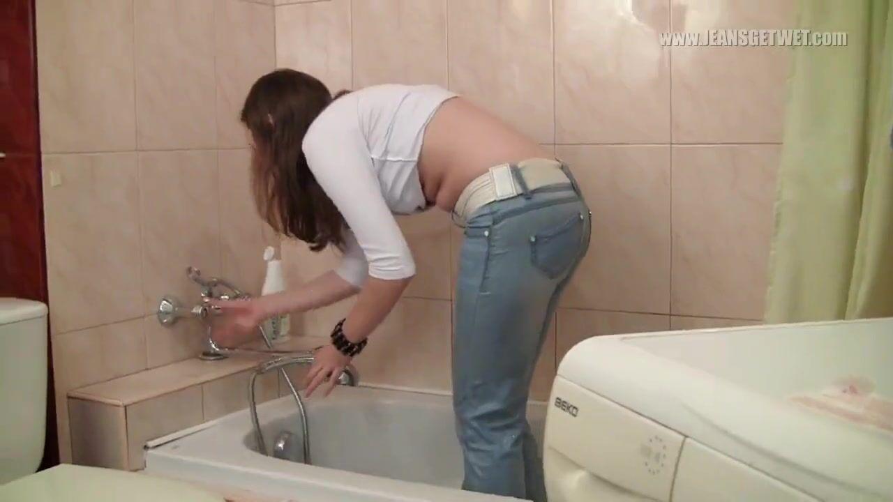 Ебется с девушкой в джинсах онлайн