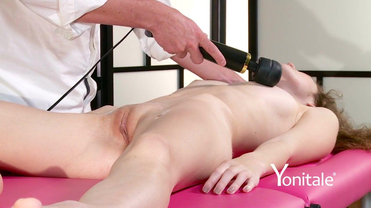 Девка вибратором массаж видео