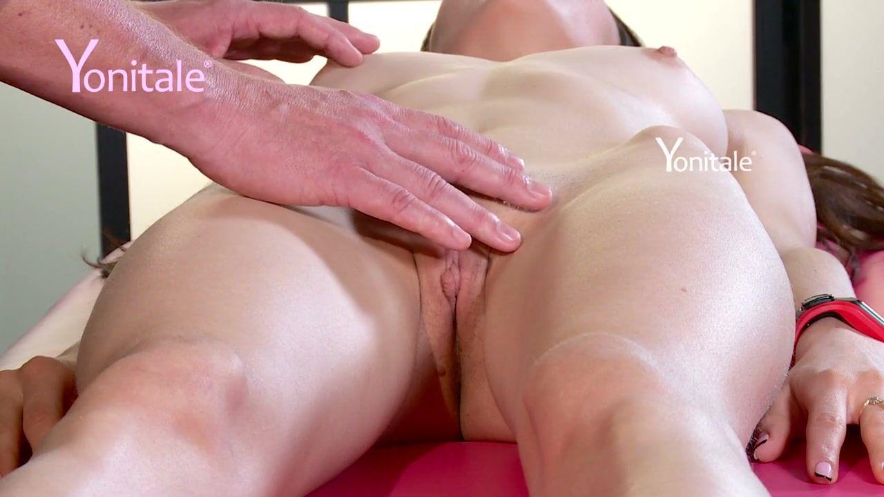 Мокрая дырка крупным планом оргазм от пальца