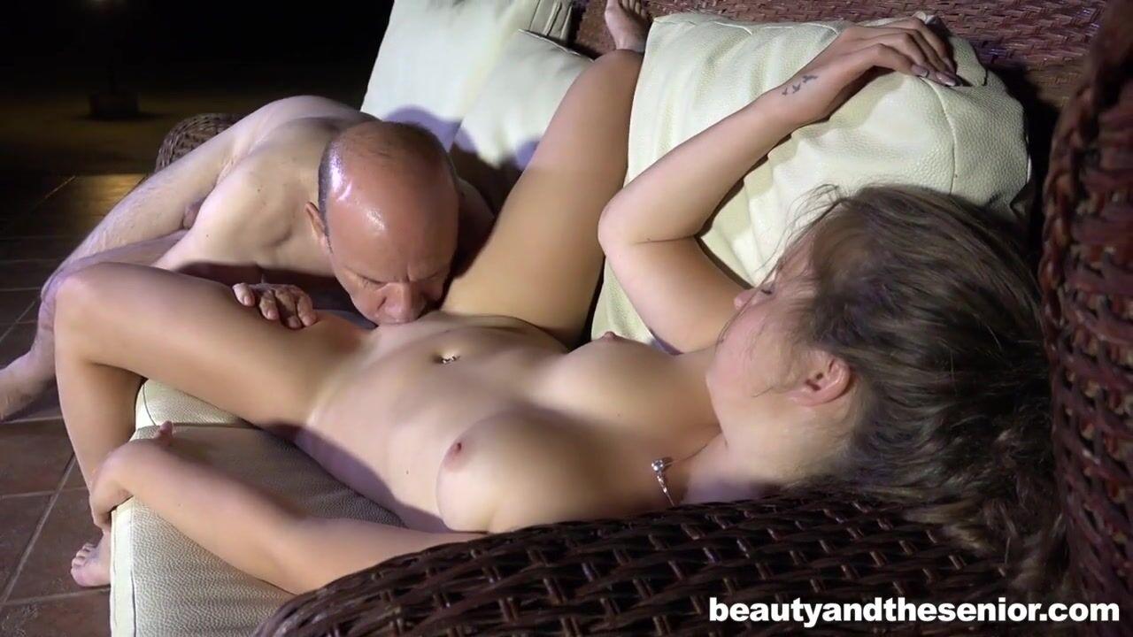 Секс бесплатно стариком маил ру