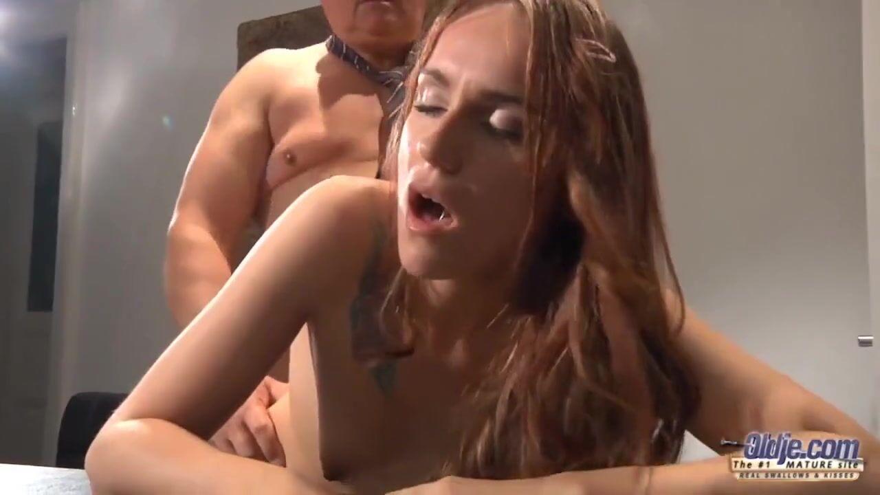Порно красотки и жирного мужика