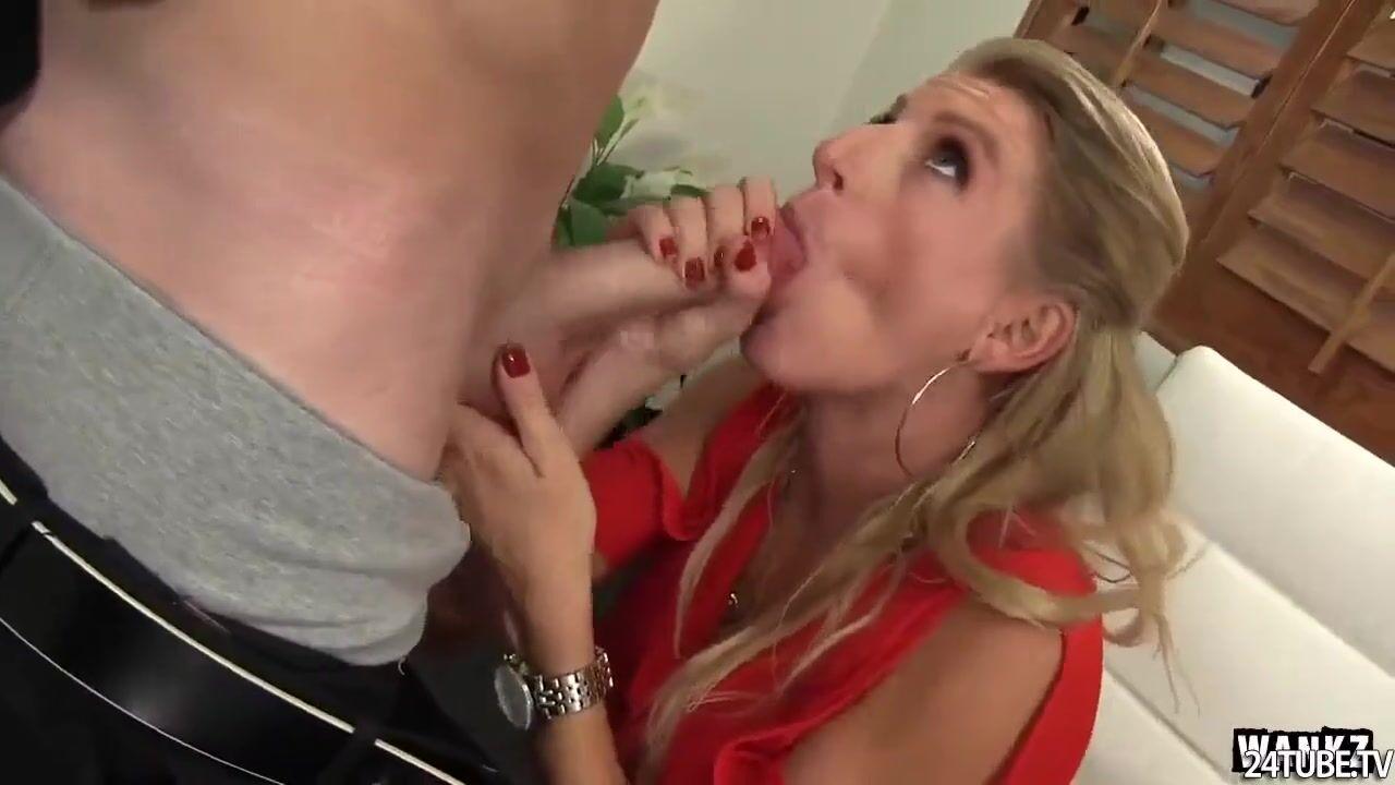 Трахалась с начальником порно