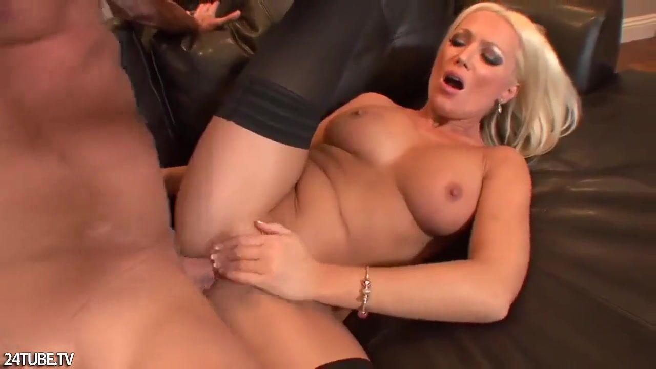 Горячая жена друга порно голая видео шлюхи