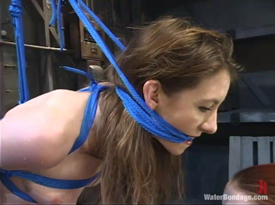 Порно бондаж в цепях кармелы бинг видео