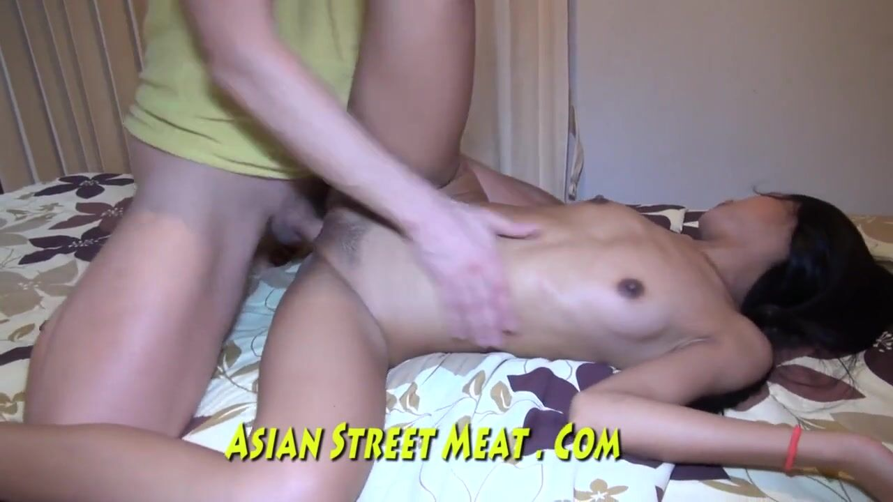 Американец трахает молодую азиатку